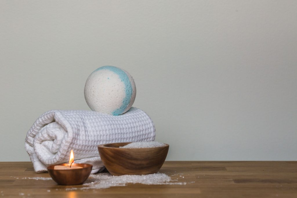 essential oils for colds bath bomb