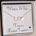9 Gifts for a New Mom